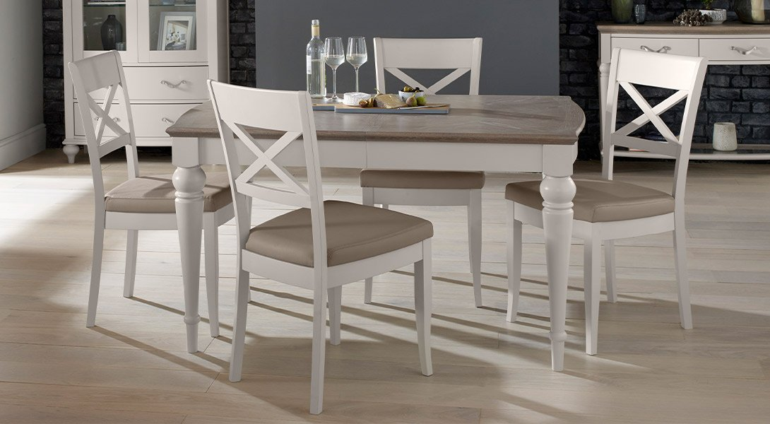 Hampton Small Extending Dining Table 4 Dining Chairs