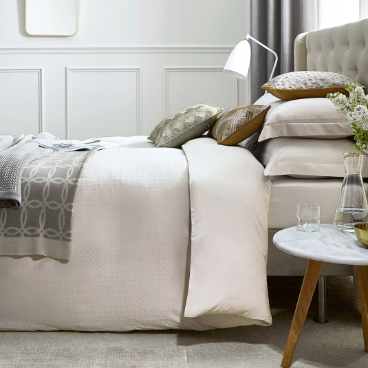 Sivoli bedding collection