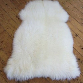 Single White Sheepskin Rug