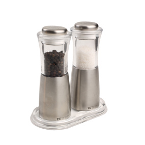 Salt and Pepper Mill Rest